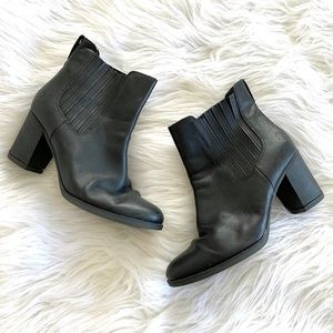 Timberland Black Leather Chunky Heel Ankle Boots